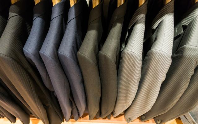 様々なスーツのジャケット