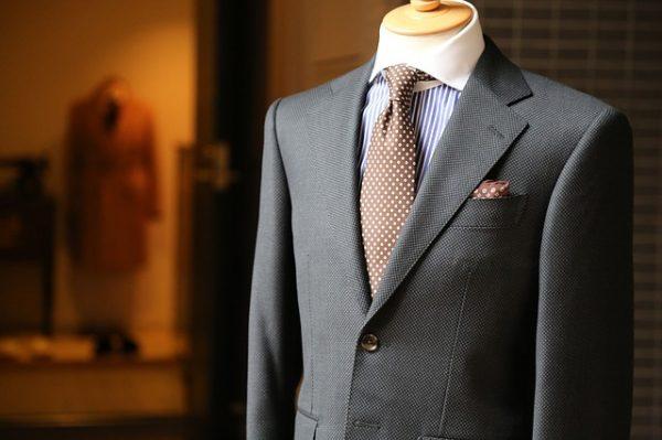 スーツスタイルが「いまいちキマらない…」と感じている